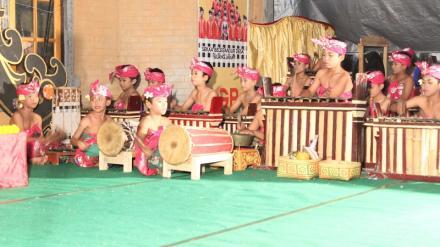 Pementasan Sekaa Gong Anak-anak